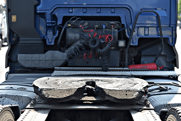 we can help you with greasing your semi-truck in Vancouver